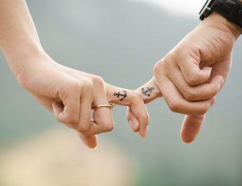 Tatuajes a mano: Hand Poke
